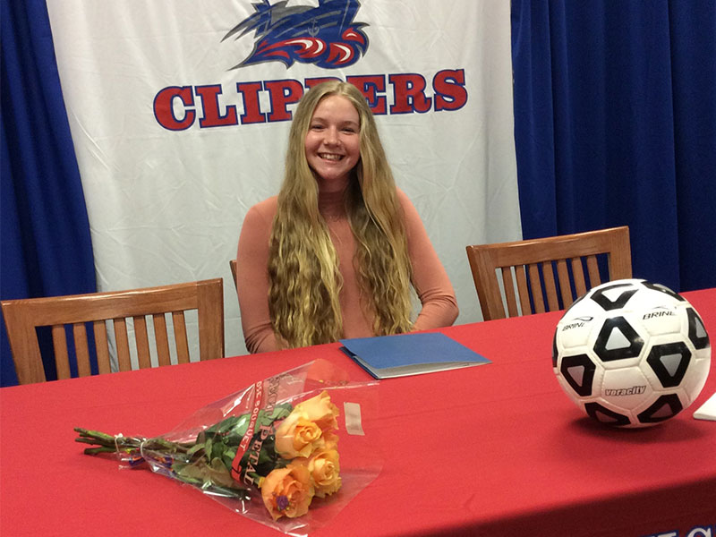 Shannon Gibbons Signs with Queens College